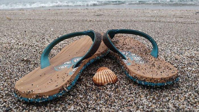 Ibu Tinggalkan Dua Buah Hati Main di Kolam Air, Lalu HisterisCuma Temukan Baju dan Sandal Anaknya