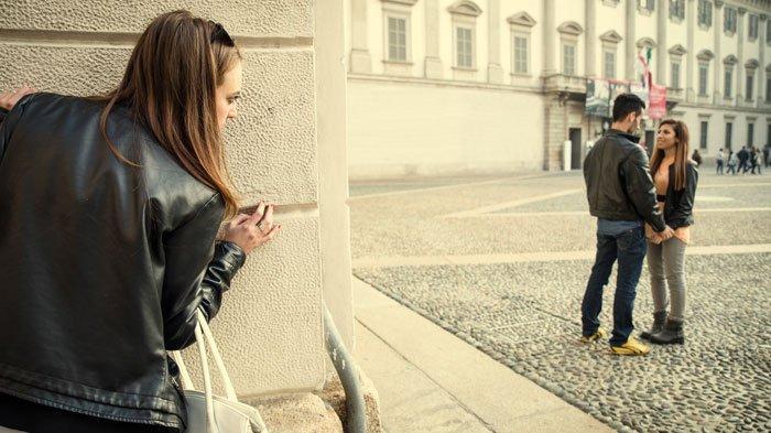 Cara Mudah Mengetahui Pasangan Selingkuh atau Tidak, Waspada Sejak Dini Agar Hubungan Bisa Membaik