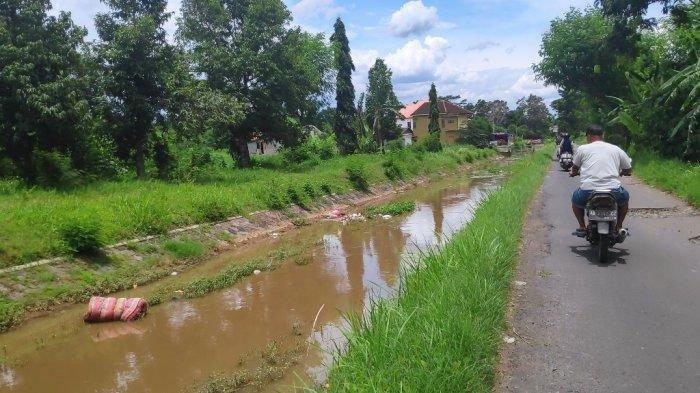 Warga Bangkalan Ancam Tutup Perumahan di Desa Gili Timur Kamal, Tuntut Pengembang Buat Selokan