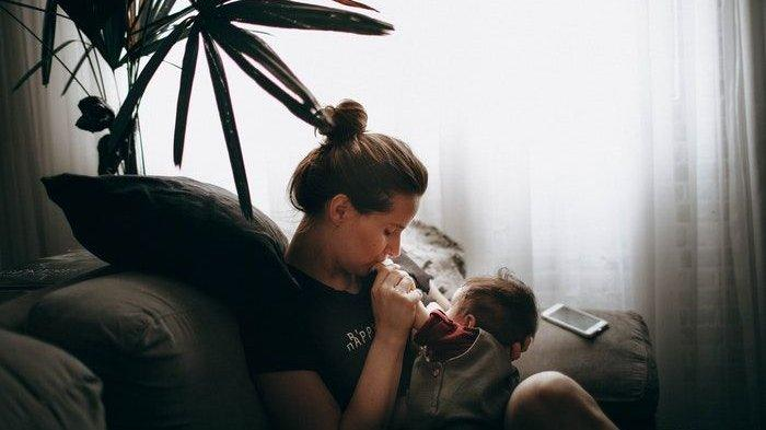 Bolehkah Ibu Positif Covid-19 Memberikan Asi Kepada Bayi? Ini Penjelasan dan Panduan dari Kemenkes