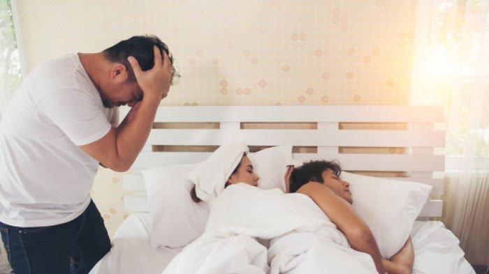 Selingkuh dengan Sahabat Karib, Istri Digerebek Suami Lagi Bobok Intim di Rumah, Video Panas Terekam