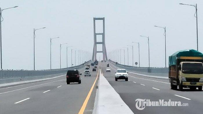 Beredar Kabar Jika Akses Jembatan Suramadu Ditutup JelangIdul Fitri,Polisi: Itu Kabar Hoaks
