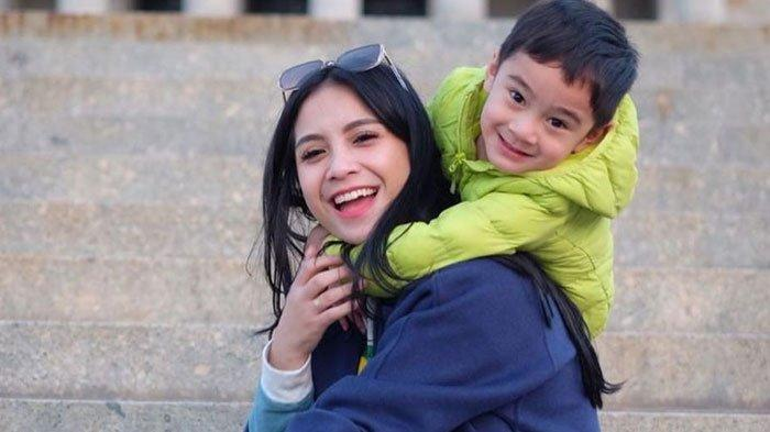 Sikap Rafathar Berubah Sejak Nagita Slavina Hamil, Rafathar Makin Manis Meski Ibu Makin Cengeng