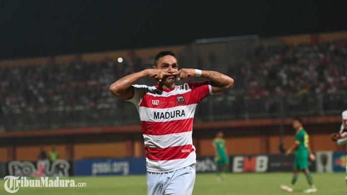 Madura United TanpaJaimerson Xavier dan Slamet Nurcahyo LawanSemen Padang di Stadion H Agus Salim