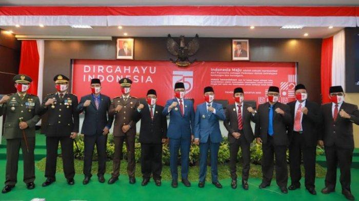 Kapolres Pamekasan Bersama Jajaran Forkopimda Mendengarkan Pidato Kenegaraan Presiden RI Joko Widodo