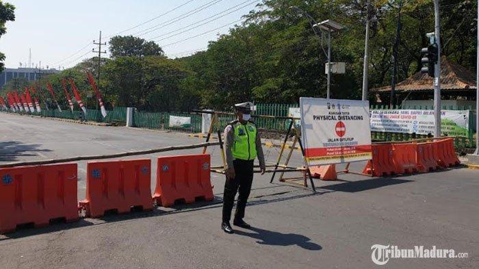 Jalan Ahmad Yani Gresik Ditutup, Ruas Jalan Dijadikan Kawasan Tertib Physical Distancing