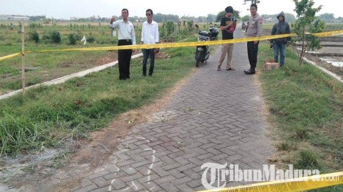 Mau ke Sawah, Warga Sidoarjo Temukan Hal Mengerikan di Tengah Jalan: Paving jadi Saksi Bisu