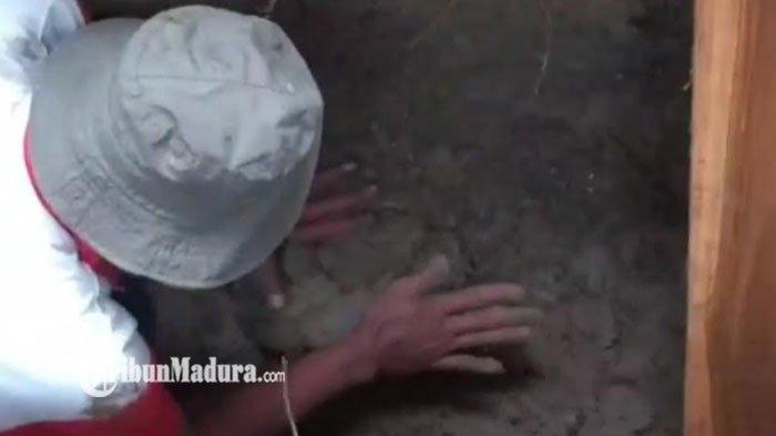 Kisah Tukang Gali Kubur Temukan Jasad Terbalut Kafan yang Masih Utuh Saat Gali Kuburan untuk Warga