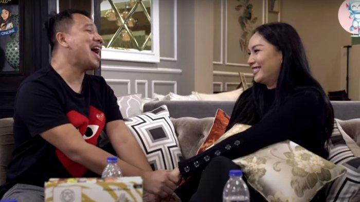 Kalina Oktarani Dibuat Terharu oleh Vicky Prasetyo, Dilamar dan Dinyanyikan Lagu Romantis: Yes I Do