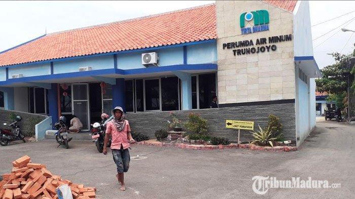 Saluran Air Puluhan Pelanggan Perumda Air Minum Trunojoyo Sampang Diputus, Ternyata Ini Penyebabnya