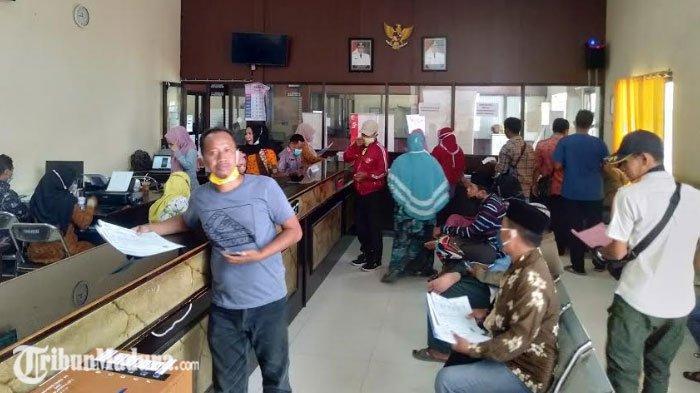 Pemohon E-KTP di Sampang Mencapai 600 Orang, Dispendukcapil Sampang Jamin Blangko Tercukupi