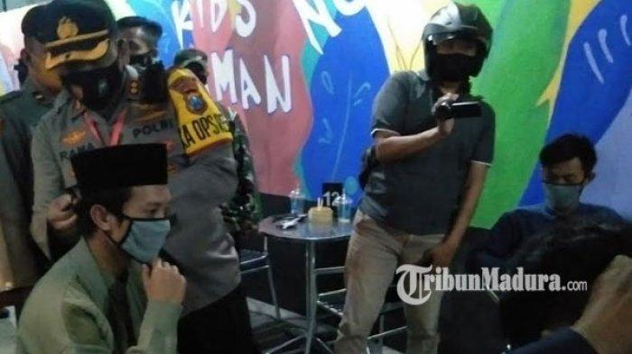 Pemkab Bangkalan Tak Segan Cabut Izin Kafe Tak Patuhi Aturan Pencegahan Covid-19, 'KTP Juga Disita'