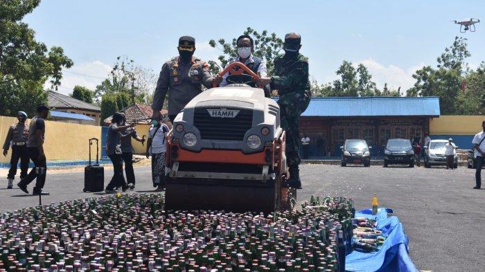 Berantas Penyakit Masyarakat, Polres Pamekasan Musnahkan 2.557 Botol Miras Hasil Operasi Pekat