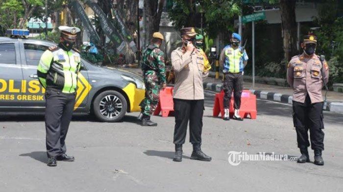 Penyekatan di Gresik, 1.500 Kendaraan Diputar Balik, 3 Orang Disidang Tipiring Karena Tak Bermasker