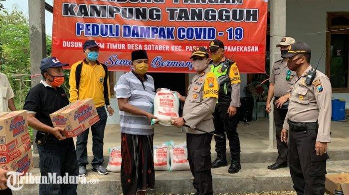 Kapolres Pamekasan Mengecek Sejumlah Kampung Tangguh, Sekaligus Memberikan Paket Sembako