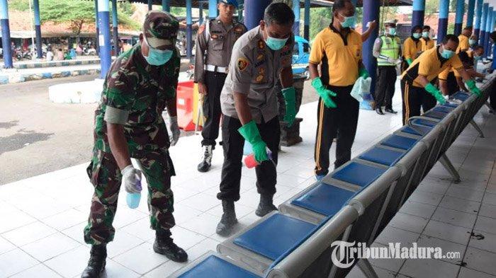 Cegah Corona, Polres Pamekasan Semprot Disinfektan di Terminal Ronggosukowati, Satpas SIM & Samsat