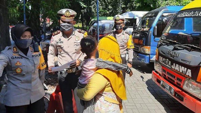 Beragam Cara Pemudik Kelabuhi Petugas di Batas Wilayah, Ngaku Kendaraan Mogok hingga Jam Razia