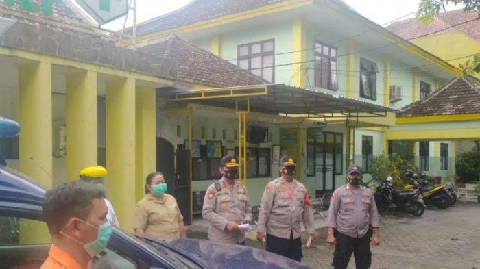 Pasien Covid-19 Dijemput Tim Covid Hunter Polresta Malang Kota, Dibawa ke Rumah Isolasi Jalan Kawi