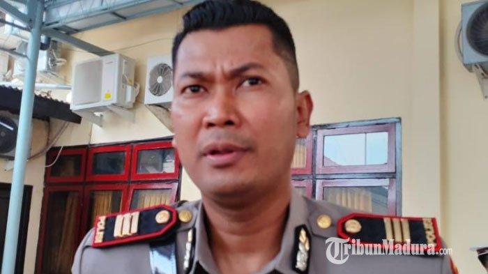 Polres Sampang dan Polsek Kedungdung Bubarkan Remaja Nongkrong di Pinggir Jalan Raya Desa Muktesareh