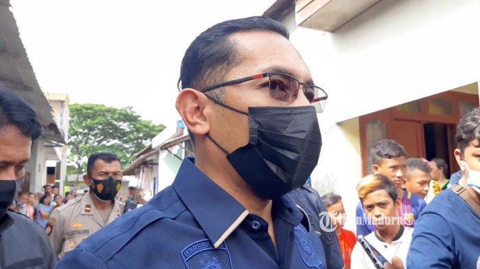 Kasatreskrim Polrestabes Surabaya, AKBP Oki Ahadian saat ditemui di lokasi pembacokan yang menewaskan DM (36) di Jalan Simojawar, Kota Surabaya, Rabu (10/3/2021).