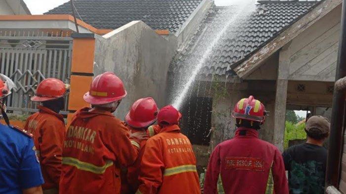 Rumah Kosong di Malang Nyaris Ludes Terbakar, Api Bersumber dari Korek Api yang Dimainkan Anak Kecil