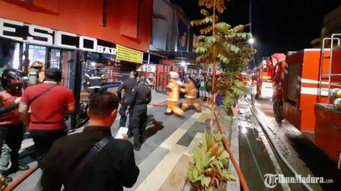Cafe EscobarSurabaya Terbakar, Saksi Lihat Kepulan Asap Membumbung dari Celah Ventilasi Kafe