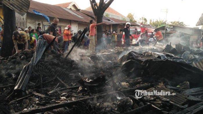 Pasar 17 Agustus Pamekasan Terbakar, 8 Lapak Pedagang Ludes Terbakar, Penyebab Masih Diselidiki
