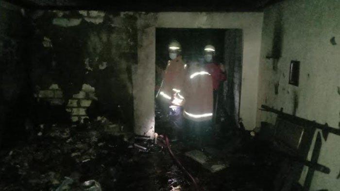 Suara Aneh dari dalam Kejutkan Penghuni Rumah, TionoTeriak Minta Tolong Lihat Rumahnya Dilalap Api