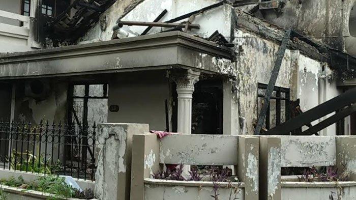 Kebakaran rumah di Jalan Taman Indah, Kecamatan Taman, Kabupaten Sidoarjo, Selasa (21/9/2021) dini hari.