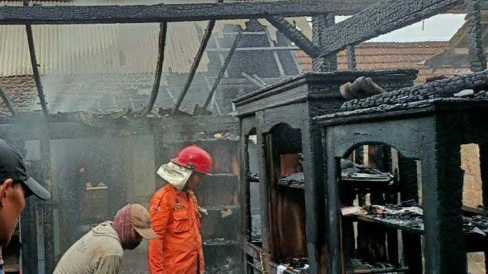 Rumah di Tuban Terbakar, Api Diduga Berasal dari Korsleting Listrik hingga Tabung Gas Elpiji Meledak
