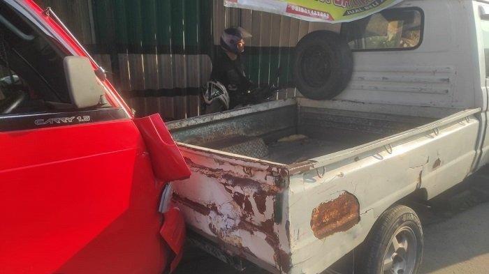 Empat Mobil Terlibat Kecelakaan Maut, Mobil Boks Oleng Lalu Tabrak Angkot, Seorang Sopir Tewas