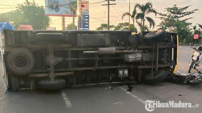 Empat Kendaraan Terlibat Kecelakaan di Pasuruan, Arus Kendaraan Sekitar Lokasi Sempat Tersendat