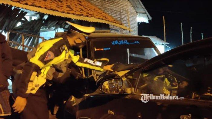 Kronologi Mobil yang Ditumpangi Ketua Bawaslu Jatim Moh Amin Alami Kecelakaan Beruntun di Sampang