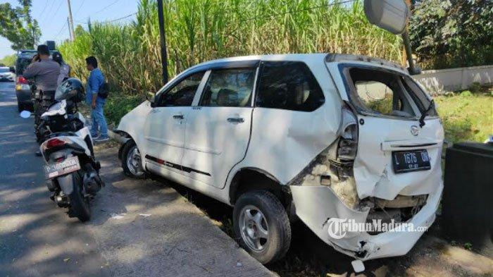 Kecelakaan lalu lintas di Jalan Sempalwadak, Kecamatan Tajinan, Kabupaten Malang, Rabu (8/9).