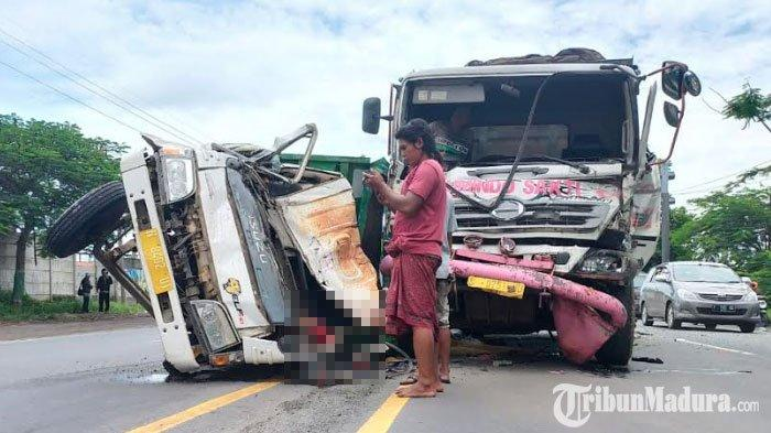 BREAKING NEWS - Kecelakaan Maut Terjadi di Jalan Pasuruan-Probolinggo, Arus Lalulintas Sekitar Macet