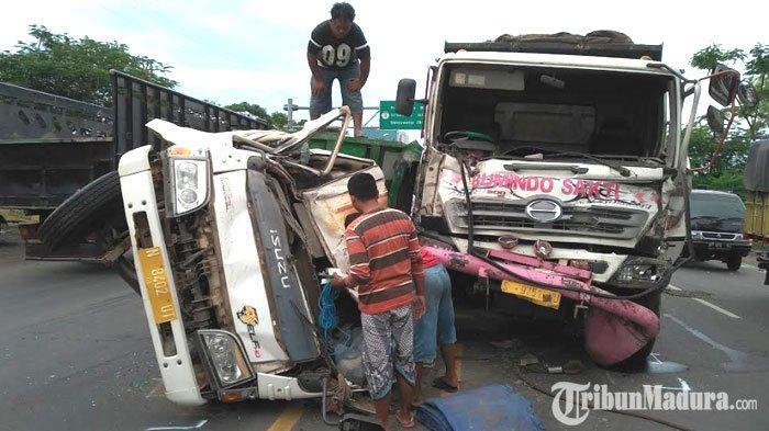 Penumpukan Kendaraan Terjadi diJalan Pasuruan-Probolinggo, Imbas dari Kecelakaan Maut Dua Truk