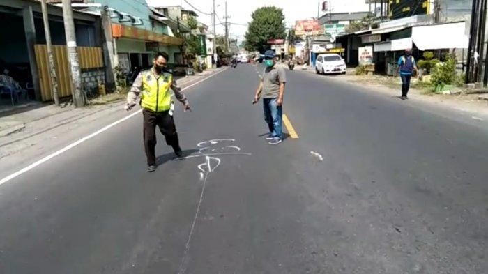 Pengemudi Ninja Tewas Usai Kecelakaan Maut di Sidoarjo, Rem Mendadak Lalu Jatuh & Tertabrak Minibus