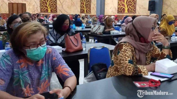 Seluruh Camat di Kabupaten MalangDiminta Sediakan Masker dalam Mobil, Diwajibkan Bagikan ke Warga