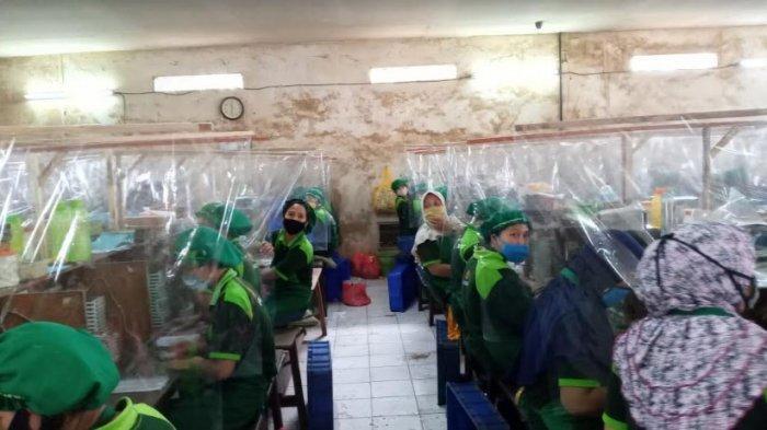Siapkan Aksi 1,5 Juta Masker, Bupati Malang Sebut Belum Ada Klaster Penularan Covid-19 di Industri