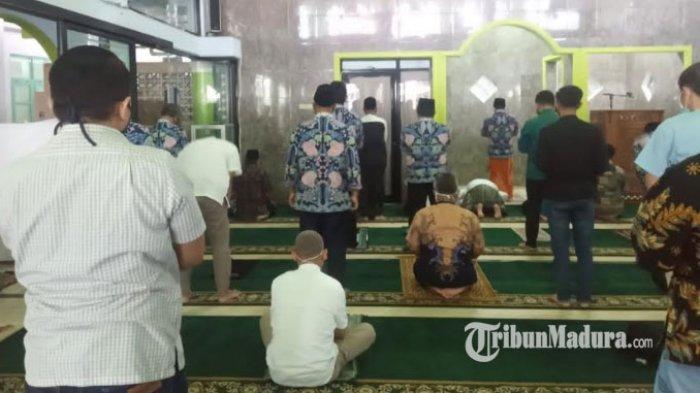 Masa Transisi New Normal, Salat Jumat Kembali Digelar di Masjid Balai Kota Malang dengan Aturan Ini