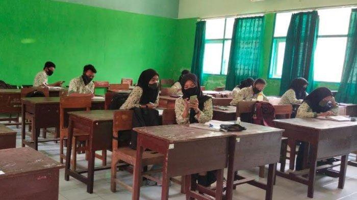 Guru SMA/SMK di Tulungagung yang Belum Vaksinasi Tak Boleh Mengajar Secara Tatap Muka
