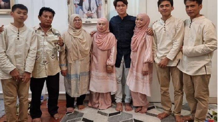 Rizky Billar Bersama Orang Tua Silaturahmi ke Rumah Lesty Kejora, Daniel Eddy: Doakan yang Terbaik