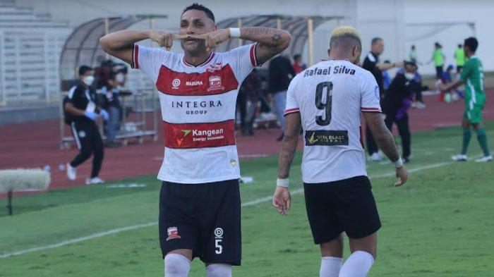 Raih Kemenangan Perdana Usai Taklukkan PSS Sleman, Pelatih Madura United Beberkan Kunci Sukses