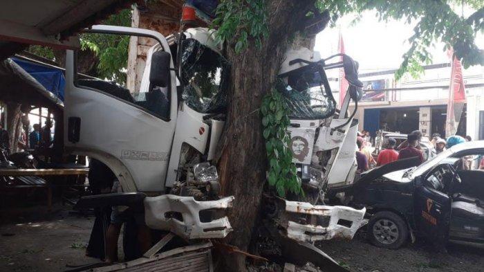 Kecelakaan Karambol Gegara Truk Rem Blong di Jalan Raya Pantura Gresik, 2 Orang Dilarikan ke RS