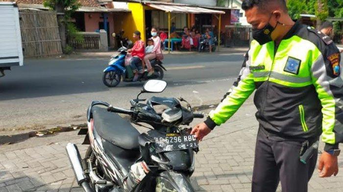 Melaju dengan Kecepatan Tinggi, Truk Seruduk Sepeda Motor di Tulungagung, Pengendara Tewas