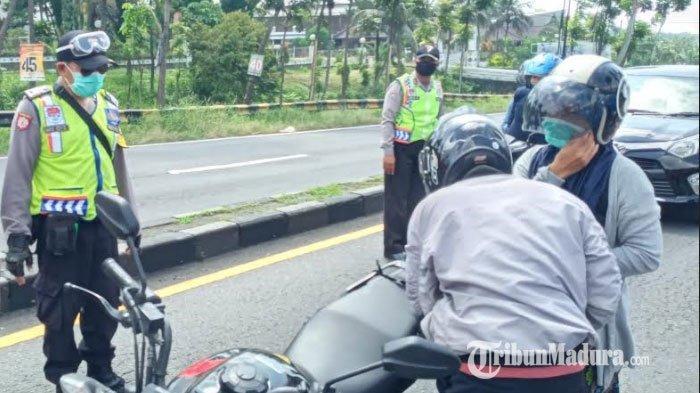 Petugas Jaga Posko Check Point Kabupaten Malang Belum Dapat Uang Lembur Sejak 25 April 2020