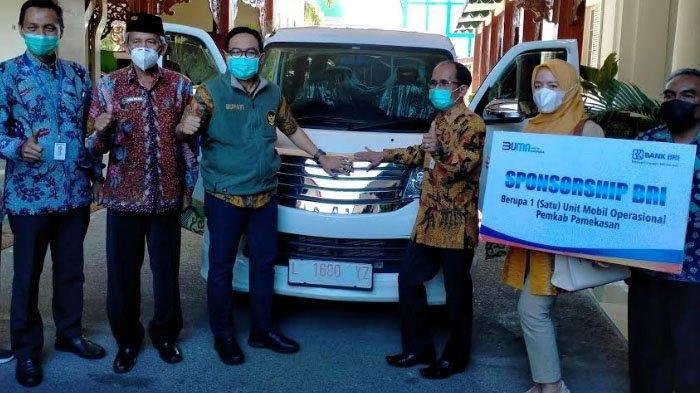 BRI Pamekasan Berikan Bantuan Mobil Operasional UKM ke Pemkab, Wujud Nyata Dukung Program Prioritas