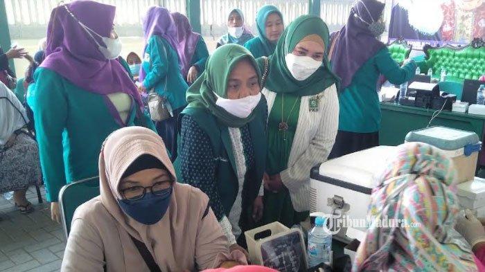 Diluar Prediksi, Pendaftar Vaksinasi Covid-19 Perempuan Bangsa DPC PKB Bangkalan Melebihi Target