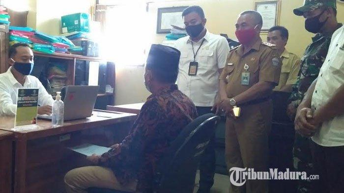 Para Bakal Calon Kepala Desa di Kecamatan Sepulu Bangkalan Terbantu Peter Sicora Pengadilan Negeri