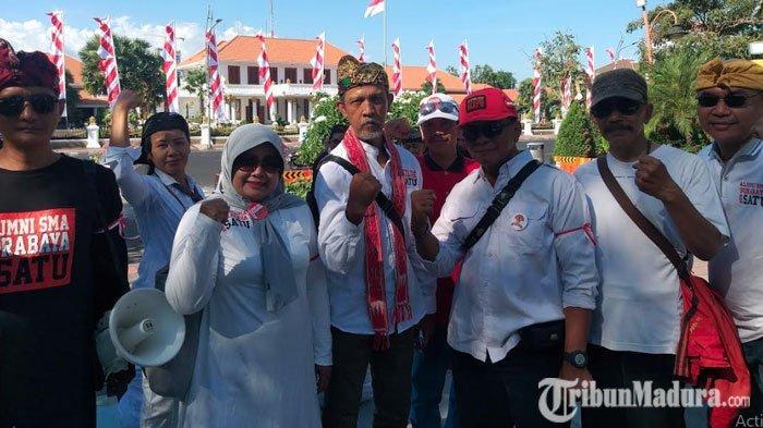 Massa Alumni SMA Surabaya Bersatu Minta PelantikanJokowi-Maruf Amin Dilakukan Tepat Waktu